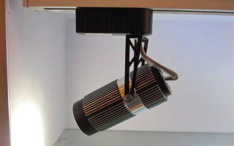 轨道灯安装方法教程